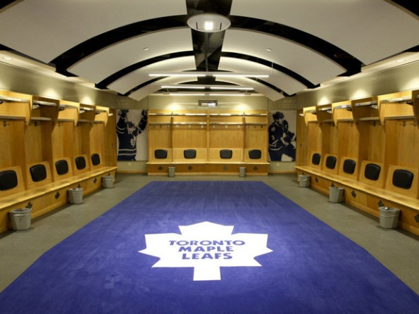01-leafs-dressing-room
