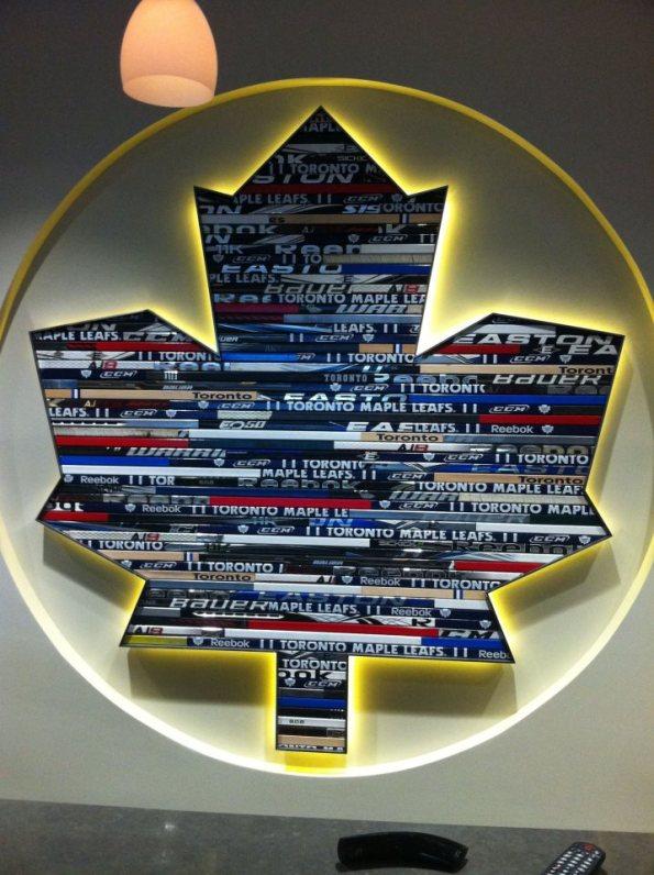 02-leafs-logo